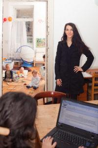Bild zum Artikel: Die Gründerin in ihrem Eltern-Kind-Büro